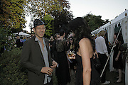 Paul Simonon, Stephen Jones Summer Hat party to celebrate 25 years of Milllinery. Debenham House, 8 Addison Rd. Holland Park, London. 13 July 2006.  ONE TIME USE ONLY - DO NOT ARCHIVE  © Copyright Photograph by Dafydd Jones 66 Stockwell Park Rd. London SW9 0DA Tel 020 7733 0108 www.dafjones.com