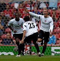 Fotball<br /> England 2005/2006<br /> Foto: SBI/Digitalsport<br /> NORWAY ONLY<br /> <br /> FA Barclays Premiership<br /> Middlesbrough v Charlton<br /> 28/08/2005.<br /> <br /> Charlton's Chris Perry (R) celebrates.