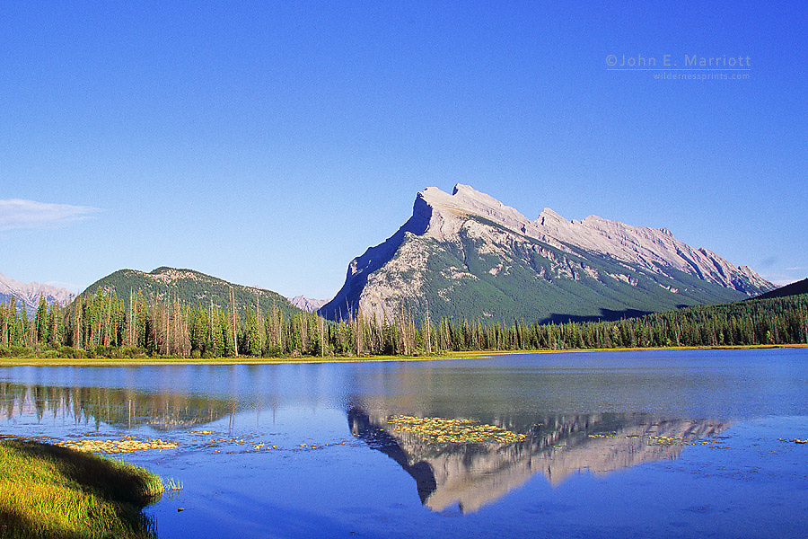 Tunnel Mountain (l) and Mount Rundle (r) from Vermilion Lakes, Banff National Park, Alberta, Canada