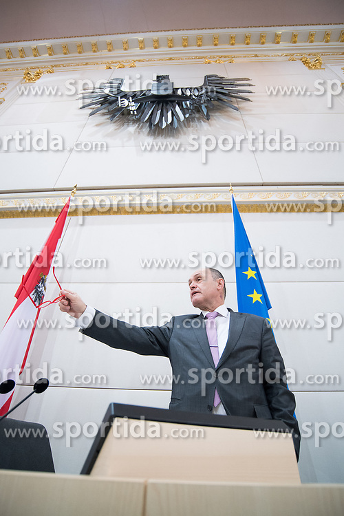 21.03.2018, Hofburg, Wien, AUT, Parlament, Sitzung des Nationalrates mit Budgetrede des Finanzministers für das Doppelbudget 2018 und 2019, im Bild Nationalratspräsident Wolfgang Sobotka (ÖVP) // President of the National Council Wolfgang Sobotka (OeVP) during meeting of the National Council of austria with the presentation of the Austrian government budget for 2018 and 2019 at Hofburg palace in Vienna, Austria on 2018/03/21, EXPA Pictures © 2018, PhotoCredit: EXPA/ Michael Gruber