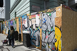 © Licensed to London News Pictures. 24/08/2018. London, UK. Residential property boarded up on Ladbroke Grove in Notting Hill, West London ahead of the 2018 Notting Hill Carnival which starts this weekend. Photo credit: Ben Cawthra/LNP