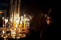 06.01.2017 Bialystok woj podlaskie W Wigilie prawoslawnego Bozego Narodzenia ( 1 dzien obchodzony jest 7 stycznia ) w bialostockiej katedrze Sw Mikolaja pod przewodnictwem prawoslawnego arcybiskupa bialostockiego i gdanskiego Jakuba odprawione zostalo nabozenstwo Calonocnego Czuwania fot Michal Kosc / AGENCJA WSCHOD