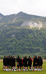 19.05.2010, Arena, Irdning, AUT, FIFA Worldcup Vorbereitung, Training England, im Bild die Mannschaft, EXPA Pictures © 2010, PhotoCredit: EXPA/ S. Zangrando / SPORTIDA PHOTO AGENCY
