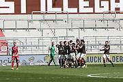 Fussball: 2. Bundesliga, FC St. Pauli - Würzburger Kickers, Hamburg, 17.04.2021<br /> Jubel St. Pauli nach dem Treffer zum 3:0<br /> © Torsten Helmke