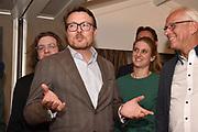 Prins Constantijn, de wethouders van Soest en Baarn, Liesa van Aalst-Veldman en Erwin Jansma ontvangen bij Rotary Clubs Soest- Baarn, Baarn-Soest en Soestdijk in Restaurant De Soesterduinen.