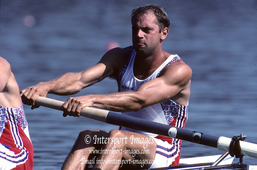 Barcelona,  SPAIN, Steve REDGRAVE, 1992 Olympic Regatta. Lake Banyoles, Nr Barcelona SPAIN,  [Photo, Peter Spurrier/Intersport-images,