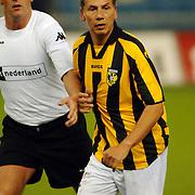 NLD/Arnhem/20051211 - Voetbal, RTL artiestenelftal - Oud Vitesse, Jeroen Smits en