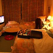Vakantie Miami Amerika, Diana Janssen gaat slapen op de hotelkamer
