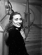08/12/1952<br /> 12/08/1952<br /> 08 December 1952<br /> Theatre Royal pantomime, Miss Eileen Bradley
