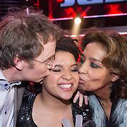 NLD/Hilversum/20131220 - Finale The Voice of Holland 2013, winnares Julia van der Toorn en haar ouders