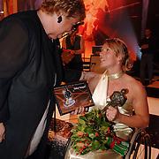 NLD/Amsterdam/20051222 - NOC / NSF Sportgala 2005, Erica Terpstra en Esther Vergeer