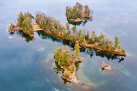 https://Duncan.co/group-of-small-islands-and-cottage
