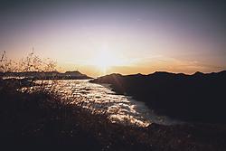 THEMENBILD - im Tal liegt in den frühen Morgenstunden noch Bodennebel, aufgenommen am 15. September 2019, Saalbach Hinterglemm, Österreich // in the valley there is still ground fog in the early morning hours on 2019/09/15, Saalbach Hinterglemm, Austria. EXPA Pictures © 2019, PhotoCredit: EXPA/ Stefanie Oberhauser