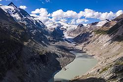 THEMENBILD - Die Pasterze ist mit etwas mehr als 8 km Länge der größte Gletscher Österreichs und der längste der Ostalpen. Seit 1856 hat ihre Fläche von damals über 30 km² um beinahe die Hälfte abgenommen. Hier im Bild Panoramaansicht der Pasterze mit Gletschersee, links der Grossglockner 3798m. Heiligenblut, Österreich am Freitag 21. August 2020 // With a length of just over 8 km, the Pasterze is the largest glacier in Austria and the longest in the Eastern Alps. Since 1856, its area has decreased by almost half from then 30 km². Picture shows Panorama view of the Pasterze with glacier lake, on the left the Grossglockner 3798m. Heiligenblut, Austria on Friday August 21, 2020. EXPA Pictures © 2020, PhotoCredit: EXPA/ Johann Groder