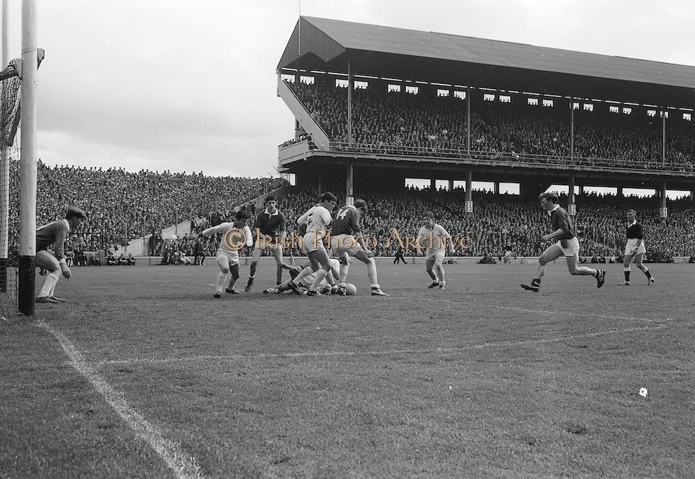 22/09/1968<br /> 09/22/1968<br /> 22 September 1968<br /> All Ireland Minor Football Final: Sligo v Cork at Croke Park Dublin. The Sligo team.The Sligo Goal under pressure from the Cork Forwards