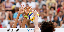 06.08.2011, Klagenfurt, Strandbad, AUT, Beachvolleyball World Tour Grand Slam 2011, im Bild Feature am Netz, EXPA Pictures © 2011, PhotoCredit EXPA Erwin Scheriau