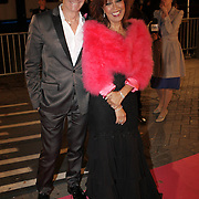 NLD/Amsterdam/20080929 - Pink Ribbon gala 2008, Addy van den Krommenacker en Sandra Reemer