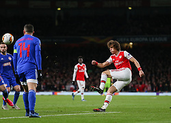 David Luiz of Arsenal puts in a cross - Mandatory by-line: Arron Gent/JMP - 27/02/2020 - FOOTBALL - Emirates Stadium - London, England - Arsenal v Olympiacos - UEFA Europa League Round of 32 second leg