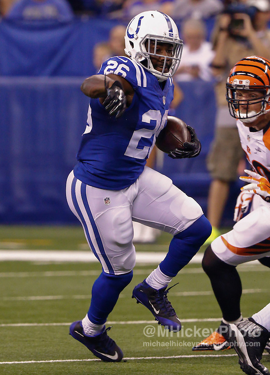 INDIANAPOLIS, IN - SEPTEMBER 3: Vick Ballard #26 of the Indianapolis Colts runs the ball against the Cincinnati Bengals at Lucas Oil Stadium on September 3, 2015 in Indianapolis, Indiana. (Photo by Michael Hickey/Getty Images) *** Local Caption *** Vick Ballard