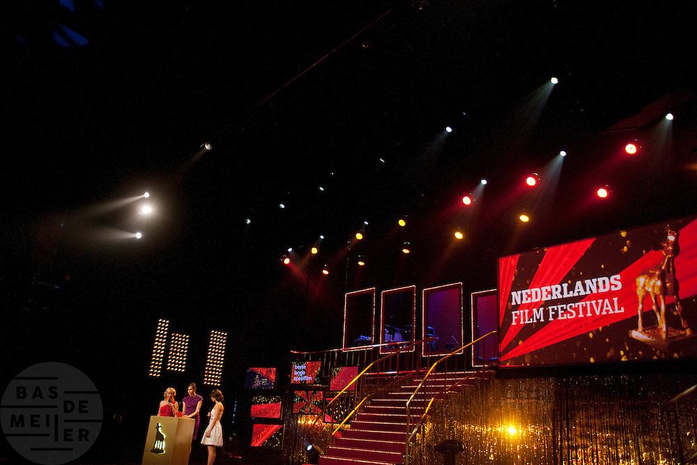 Op de laatste avond van het Nederlands Film Festival NFF worden de Gouden Kalveren uitgereikt, Nederlands hoogste filmprijs.<br /> <br /> The Gouden Kalf (Golden Calf), the award for the best movie, is presented at the gala on the last evening of the Nederlands Film Festival in Utrecht. Carice van Houten won her fifth Gouden Kalf, a record.