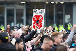 © Licensed to London News Pictures. 08/11/2020. Manchester, UK. Thousands attend anti-lockdown protest in Manchester. Photo credit: Kerry Elsworth/LNP