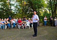 DEU, Deutschland, Germany, Woltersdorf, 01.08.2019: Brandenburgs Ministerpräsident Dr. Dietmar Woidke (SPD) bei einer Wahlkampfveranstaltung der SPD am Aussichtsturm Woltersdorf.