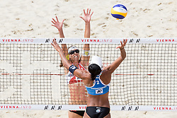 28.07.2017, Donauinsel, Wien, AUT, FIVB Beach Volleyball WM, Wien 2017, Damen, Gruppe L, im Bild v.l. Stefanie Schwaiger (AUT), Tanarattha Udomchavee (THA) // f.l. Stefanie Schwaiger of Austria Tanarattha Udomchavee of Thailand during the women's group L match of 2017 FIVB Beach Volleyball World Championships at the Donauinsel in Vienna, Austria on 2017/07/28. EXPA Pictures © 2017, PhotoCredit: EXPA/ Sebastian Pucher