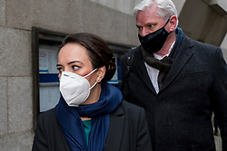 """© Licensed to London News Pictures. 04/01/2021. LONDON, UK. Stella Moris (L), Julian Assange's partner,and Kristinn Hrafnsson, Wikileaks editor in chief, enter the Old Bailey Central Criminal Court where the ruling is being made inside on the extradition trial of Julian Assange, Wikileaks founder.  Mr Assange has been charged by the United States' Espionage Act of """"disclosing classified documents related to the national defence"""".  Photo credit: Stephen Chung/LNP"""