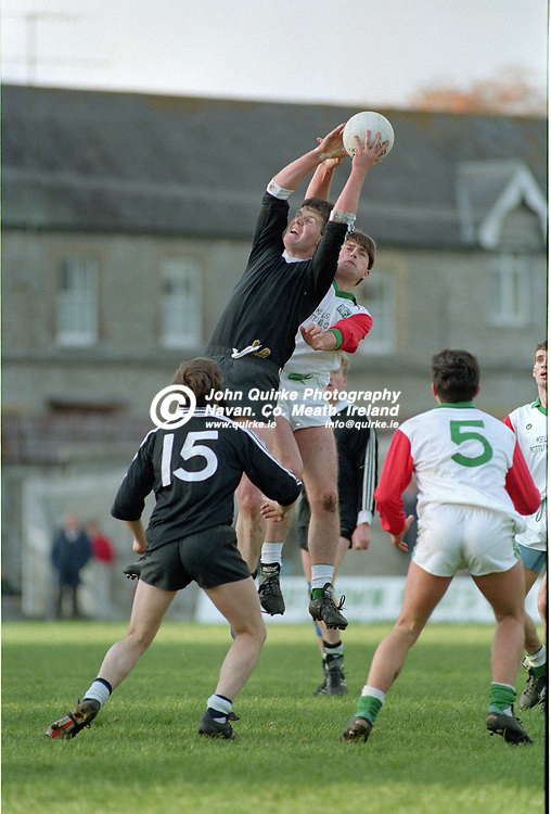 03-11-1991. Gaeil Colmcille v Walterstown - Meath SFC Final at Pairc Tailteann, Navan.<br /> Frank O'Sullivan, Walterstown making a spectacular catch.<br /> Photo: John Quirke / www.quirke.ie<br /> ©John Quirke Photography, 16 Proudstown Road, Navan. Co. Meath. (info@quirke.ie / 046-9028461 / 087-2579454).