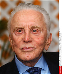 Kirk Douglas Dies At 103 - © Olivier Douliery/ABACA. 52824-4. Washington-DC-USA, November 18, 2003. The National Rehabilitation Hospital awards actor Kirk Douglas with its 2003 Victory Award.