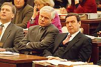"""06 FEB 1998, BONN/GERMANY:<br /> Gerhard Glogowski, SPD, Innenminister Niedersachsen, und Gerhard Schröder, SPD, Ministerpräsident Niedersachsen, Bundesrat, Bundesratsdebatte """"Lauschangriff""""<br /> IMAGE: 19980206-01/02-23<br />  <br />  <br />  <br /> KEYWORDS: Schroeder"""