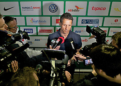29.04.2013, Weserstadion, Bremen, GER, 1.FBL, SV Werder Bremen, im Bild Thomas Eichin (Geschaeftsfuehrer Sport, SV Werder Bremen) beim spontan anteraumten Pressegespräch zur Suspendierung von Marko Arnautovic (SV Werder Bremen #7) und Eljero Elia (SV Werder Bremen #11) bis zum Saisonende // press area of the German Bundesliga Club SV Werder Bremen at the Weserstadion, Bremen, Germany on 2013/04/29 . EXPA Pictures © 2013, PhotoCredit: EXPA/ Andreas Gumz ..***** ATTENTION - OUT OF GER *****