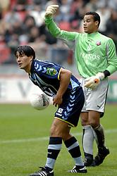 22-10-2006 VOETBAL: UTRECHT - DEN HAAG: UTRECHT<br /> FC Utrecht wint in eigenhuis met 2-0 van FC Den Haag / Michael Mols en Michel Vorm<br /> ©2006-WWW.FOTOHOOGENDOORN.NL