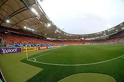 16-06-2006 VOETBAL: FIFA WORLD CUP: NEDERLAND - IVOORKUST: STUTTGART <br /> Oranje won in Stuttgart ook de tweede groepswedstrijd. Nederland versloeg Ivoorkust met 2-1 / Gottlieb Daimler Stadion <br /> ©2006-WWW.FOTOHOOGENDOORN.NL