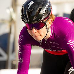 11-03-2021: Wielrennen: Healthy Ageing Tour: Lauwersoog. <br />Lonneke Uneken