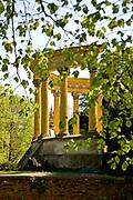 Łańcut, 2009-04-25. Glorieta w parku pałacowym w Łańcucie