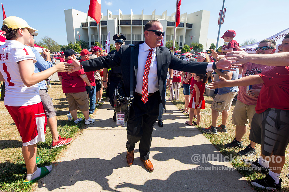 BLOOMINGTON, IN - SEPTEMBER 23: Head coach Tom Allen of the Indiana Hoosiers is seen walking in to the stadium before the game against the Georgia Southern Eagles at Memorial Stadium on September 23, 2017 in Bloomington, Indiana. (Photo by Michael Hickey/Getty Images) *** Local Caption *** Tom Allen