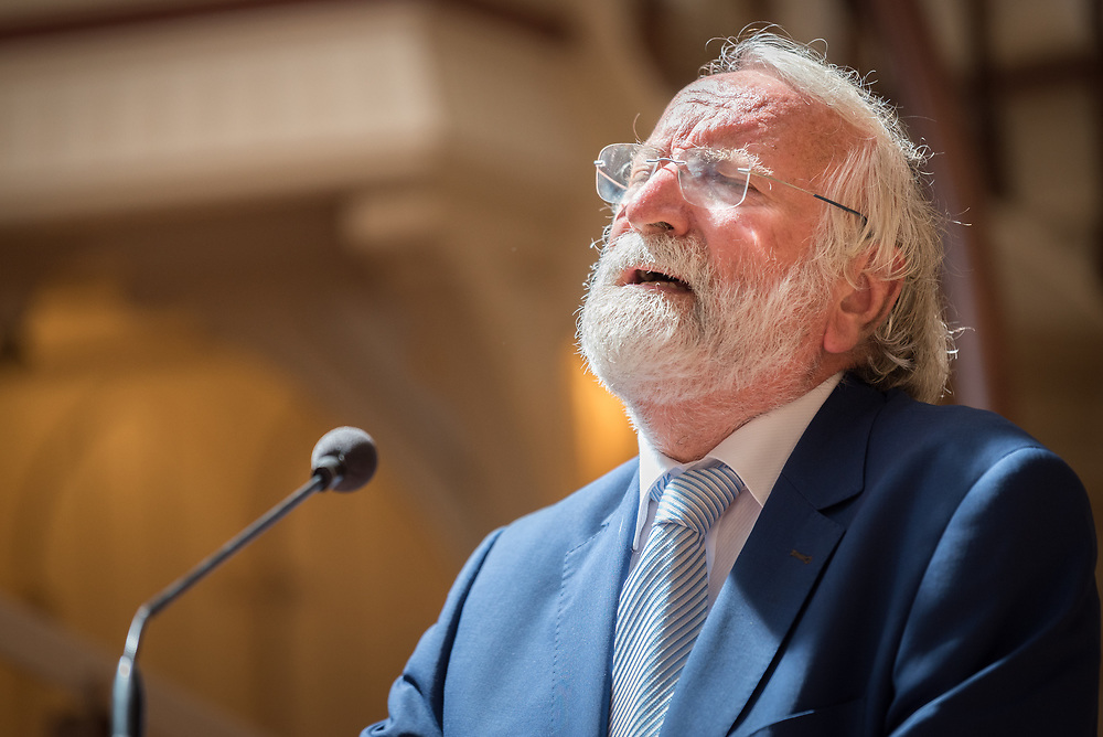23 July 2018, Amsterdam, the Netherlands: Rabbi Awraham Soetendorp shares a moment of Jewish prayer. On 23 July, an international Interfaith Memorial and Prayer Service takes place in the Keizersgrachtkerk in Amsterdam, the Netherlands. Gathering local congregants together with international guests, the service takes place in connection with the 2018 International AIDS Conference, held in Amsterdam on 23-27 July.