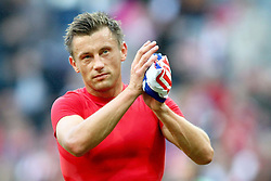 15.10.2011, Allianz Arena, Muenchen, GER, 1.FBL,  FC Bayern vs Hertha BSC Berlin, im Bild  Ivica Olic (Bayern #11) bedankt sich bei den fans// during the match FC Bayern vs Hertha BSC Berlin, on 2011/10/15, Allianz Arena, Munich, Germany, EXPA Pictures © 2011, PhotoCredit: EXPA/ nph/  Straubmeier       ****** out of GER / CRO  / BEL ******