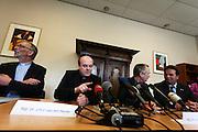 De nieuwe bisschop van Rotterdam, mgr. dr. Johannes H.J. van den Hende wordt tijdens een persconferentie bij het aartsbisdom in Zeist gepresenteerd. De huidige bisschop van Breda zal op 2 juli 2011 de taken overnemen van mgr. drs. A. van Luijn.<br /> <br /> At a press conference the new bishop of Rotterdam, mgr. dr. Johannes H.J. van den Hende,  is presented to the press. He will succeed bishop Van Luijn.