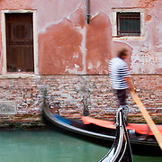 A gondola passing by...