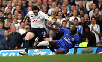FA BARCLAYCARD PREMIERSHIP. SUNDAY 19 SEPT 2004<br /> CHELSEA V SPURS<br /> PIC BY KARL WINTER/FOTOSPORTS<br /> SPURS ROBBIE KEANE IS TQACKLED BY CHELSEA'S CLAUDE MAKELELE<br /> NORWAY ONLY