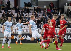 Jonas Henriksen (FC Helsingør) sparker væk under kampen i 1. Division mellem FC Fredericia og FC Helsingør den 4. oktober 2020 på Monjasa Park i Fredericia (Foto: Claus Birch).