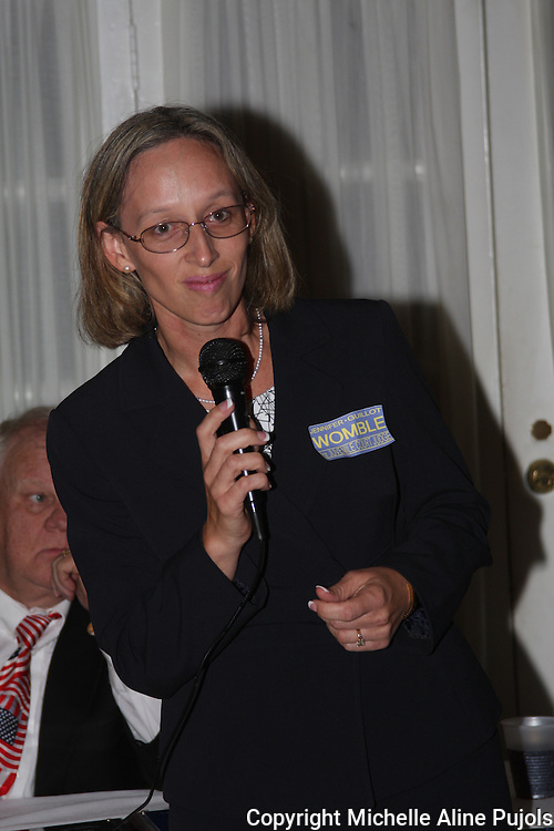 Jennifer Guillot Womble speaking at the Crimefighters banquet.