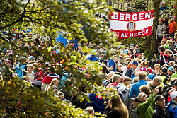 September 20, 2017 - Bergen, NORWAY - 170920 Spectators during the Men Elite Individual Time Trial on September 20, 2017 in Bergen..Photo: Vegard Wivestad GrÂ¿tt / BILDBYRN / kod VG / 170018 (Credit Image: © Vegard Wivestad Gr¯Tt/Bildbyran via ZUMA Wire)