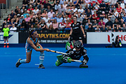 x of Great Britain Women and y of Argentina Women during the 2019 Women's FIH Pro League match at Lee Valley Hockey Centre, Stratford<br /> Picture by Simon Parker/Focus Images Ltd <br /> 18/05/2019