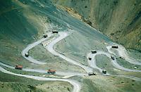 Inde. Province du Jammu Cachemire. Ladakh. Route Himalayenne entre Srinagar et Leh. // India. Jammu Kashmir province. Ladakh. Himalayan road between Srinagar and Leh.