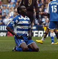 Photo: Jonathan Butler.<br /> Reading v Tottenham Hotspur. The Barclays Premiership. 12/11/2006.<br /> Ibrahima Sonko of Reading looks dejected after conceding a penelty.