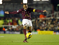 Photo: Chris Ratcliffe.<br />Arsenal v Ajax. UEFA Champions League. 07/12/2005.<br />Thierry henry fires in a free kick