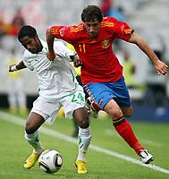 Fotball<br /> Spania v Saudi Arabia<br /> Innsbruck Østerrike<br /> 29.05.2010<br /> Foto: Gepa/Digitalsport<br /> NORWAY ONLY<br /> <br /> FIFA Weltmeisterschaft 2010 in Suedafrika, Vorberichte, Vorbereitung, Vorbereitungsspiel, Freundschaftsspiel, Laenderspiel, Spanien vs Saudi Arabien.<br /> <br /> Bild zeigt Nawaf (KSA) und Joan Capdevila (ESP).